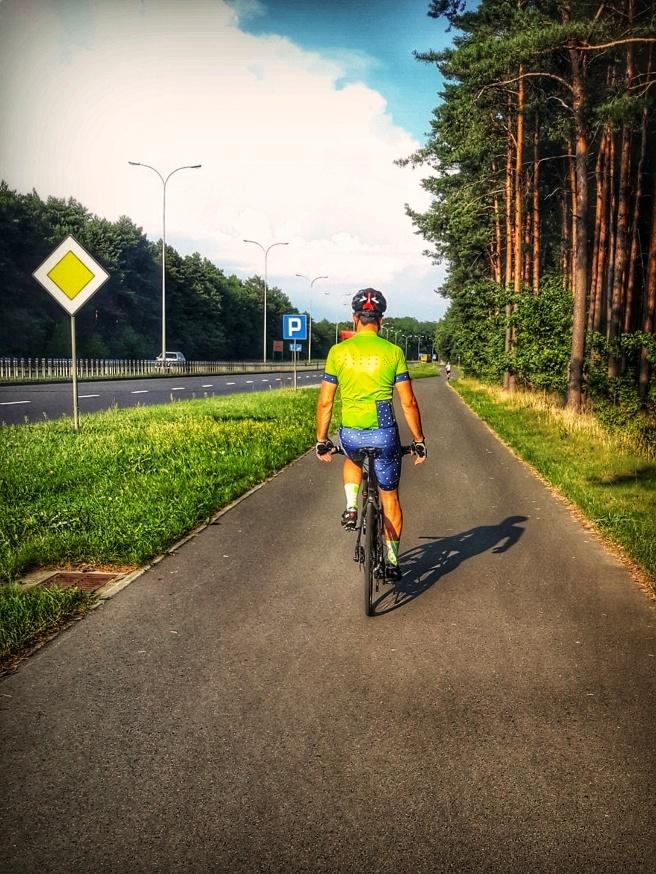 Jazda ścieżką rowerową