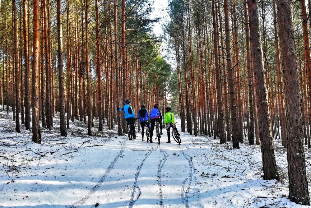 jak przetrwac zimę na rowerze